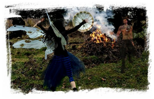 Faery Muddypond Green with medicine drum and her Lord of the Greenwood ©vcsinden 2012 allrightsreserved