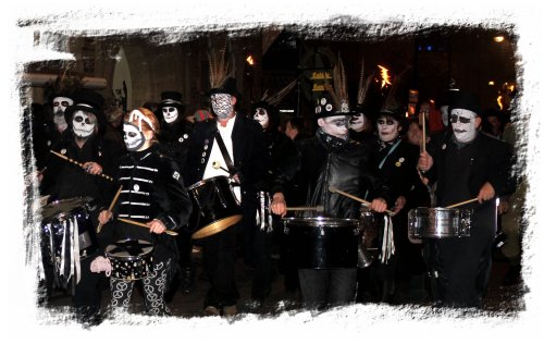 Drummers at the parade of the Hastings Bonfire Society on their way to the fire on the beach ©vcsinden2012