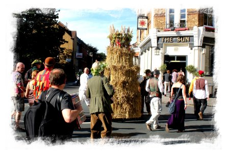 Carshalton Straw Jack walking to The Sun ©vcsinden2012