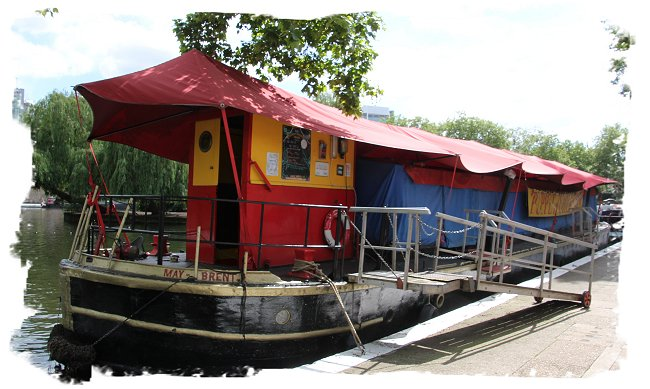 The Puppet Barge Theatre at Little venice in London ©vcsinden2017