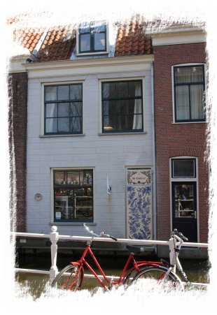 Delft, Netherlands - old town house ©vcsinden2015