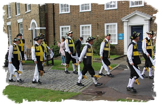 Hop Hoodening at Canterbury Cathedral 2015 - Wantsum Morris men in the precincts ©vcsinden2015