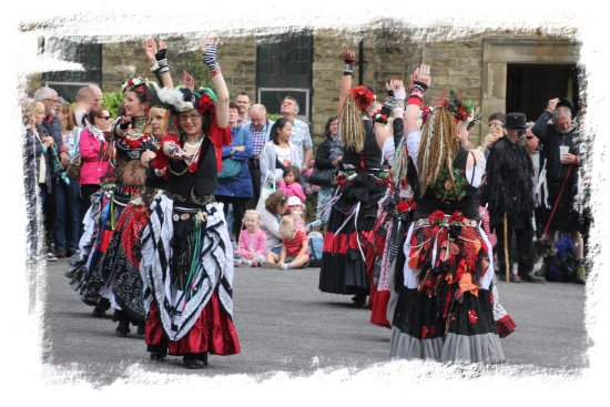 Sowerby Bridge Rushbearing Festival 2015 -  400 Roses ©vcsinden2015