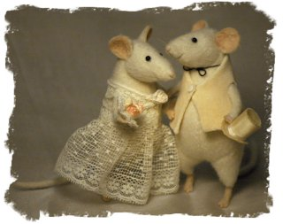 Wedding Mice - needle-felted by Natasha Fadeeva