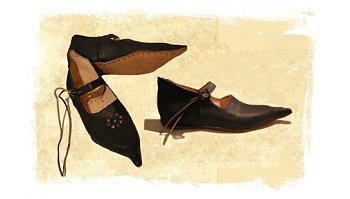 Medieval shoes from NP Historical Shoes