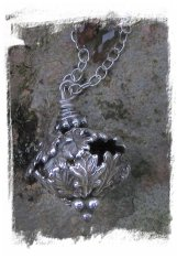 Faery jewellery - oak bell from Where The Wild Roses Are ©wherethewildrosesgrow