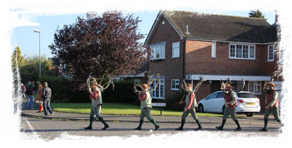 Horn Dance, Abbots Bromley 2014 - around the new houses ©vcsinden2014